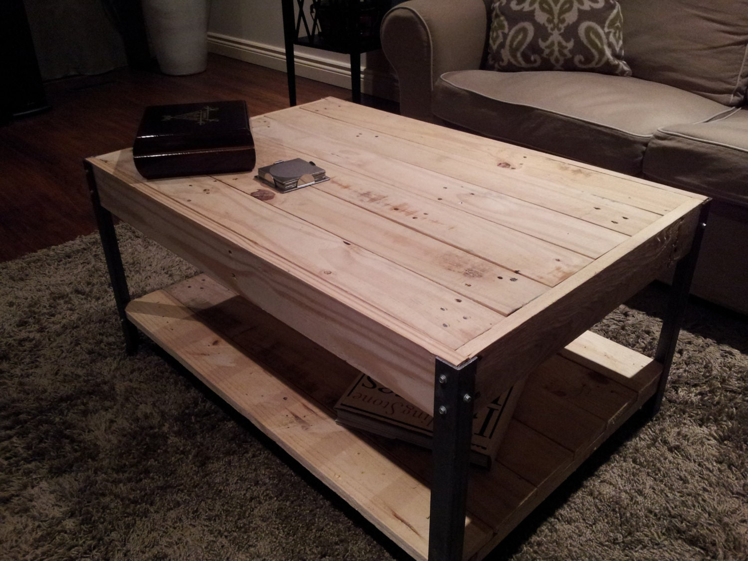 The horizontal with shelf distressed pine wood with nail for Table th horizontal