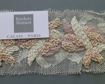 French lace with velvet embroidery by Riechers Marescot