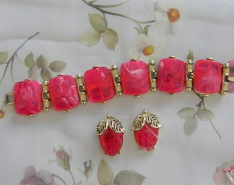 Vintage Hot Pink and Gold Bracelet and Earring Set