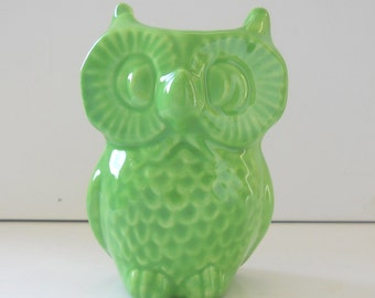 Ceramic Owl Vase, Owl Decor, Vintage Design, Seafoam Green, Green Office Gift, Pencil Holder, Toothbrush Holder, Gift for him, Kids Bathroom