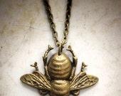 Big Giant Bee Necklace, Bee's Knees Busy Yellow Jacket Hornet Honeybee Bumblebee Honeycomb Flower Garden Pollen Sting Nectar Spring Summer