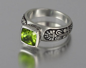 ALEXANDRA 14K gold ring with Peridot