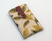 iphone sleeve - green leaves on ivory