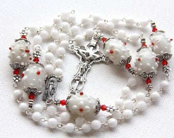 Handmade White and Red Lamp Work Rosary, White Rosary, Gemstone rosary, Handmade Jewelry, Custom Rosary, Custom Jewelry, White Rosary