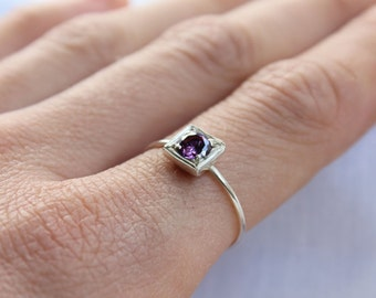 Amethyst ring,  Birthstone Stacking ring,  Round Stone Shape, Sterling silver, Custom Ring, February birthstone, Purple stone