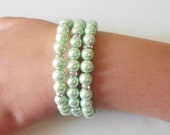 Mint Pearl Bridesmaid Jewelry, Beaded Memory Wire Bracelets, Light Green Summer Wedding Jewelry Sets, Pastel Bridal Party Jewellery