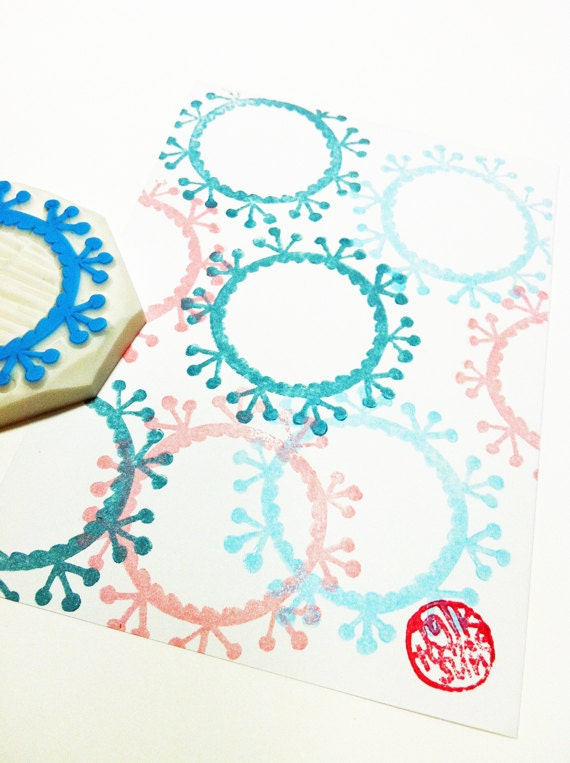 flower wreath hand carved rubber stamp. botanical pattern stamp. wedding birthday christmas scrapbooking. block printing. diy hang tags