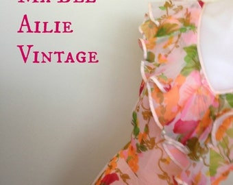 pretty as a picture 70s floral pleated maxi dress