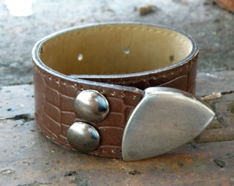 Cuff, Alligator-look Wristband Bracelet with Silver Accent FREE SHIPPING (G2P738)