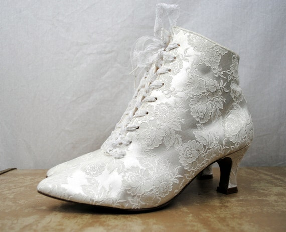 Free shipping and returns on Women's White Booties & Ankle Boots at taradsod.tk
