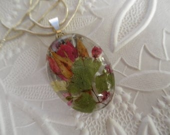 Red Rosebud,Pink Heather,Maidenhair Ferns Pressed Flower Oval Domed Glass Pendant-Symbolizes True Love-Gifts Under 30-Nature's Wearable Art