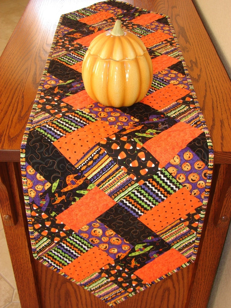 Halloween Quilted Table Runner Decoration