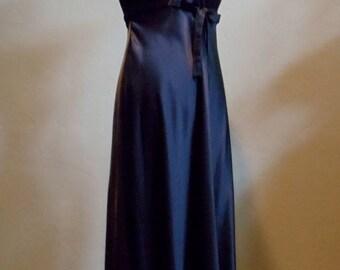 "Vintage Caren Desiree Company Floor Length Black Dress Velour Bodice with Rayon & Acetate Skirt Bust 40"" Under Bodice 32' Waist 36"""