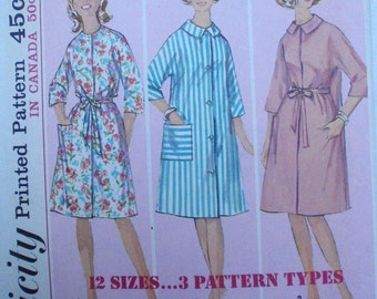 Vintage 60s Teen's Sewing Pattern - Simple to Sew Belted Robe - Simplicity 5531 - Teen Size 10, Bust 30