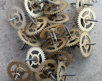 Vintage clock brass gears -- set of 20 -- D7