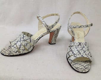 Vintage 1970s 1980s shoes Stanley Philipson stamped leather Snake Grey White Strappy Sandals Size 7 Narrow