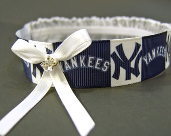 New York Yankees Wedding Garter with White Bow and Sparkling Crystal