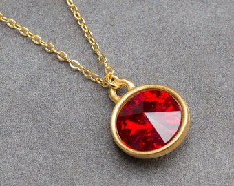 Gold Garnet Necklace, January Birthstone Jewelry, Red Crystal Pendant, Holiday Birthstone Gift, Birthstone Necklace