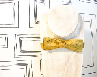 Slim batwing golden mustard lime green freestyle bow tie
