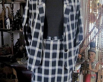 Checkered Classic Suit - Jacket and Knee-Length Skirt, Vintage - Medium