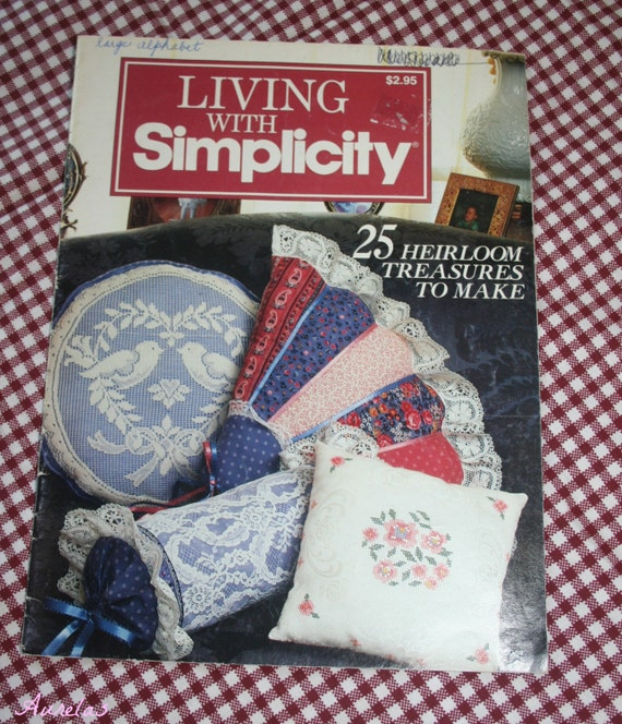 """ROMANTIC VICTORIAN Pattern Living with Simplicity 1985 Booklet """"25 Heirloom Treasures to Make"""" VINTAGE pattern"""