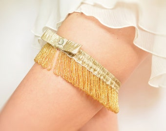 Gatsby bridal garter golden pearls and lamé