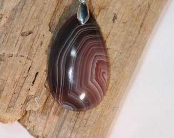 Tear Drop shaped Madagascar Agate Pendant - Item 980