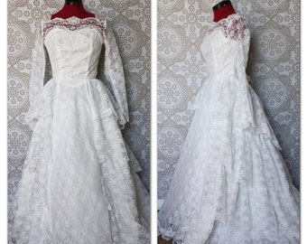 Vintage 1950's Multi Tiered Lace Wedding Dress S/M
