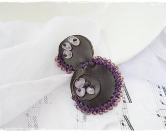 Plum Bubble Brooch, Purple Geometric Broach, Tribal Bead Pin, Retro Leather Brooch, Goth Leather Jewelry, Amethyst Boho Pin, Bead Scarf Pin