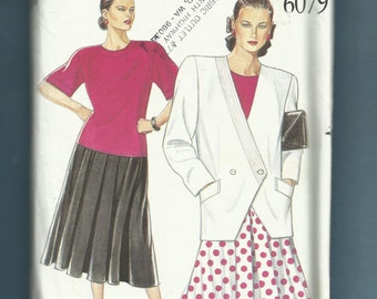 New Look 6079 Double Breasted Jacket with Lapel Detail Tee Shirt and Flared Skirt Sizes 18 to 28  UNCUT