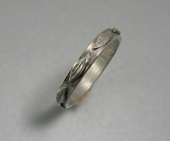 Leaf wedding ring sterling silver by KryziaKreations on Etsy