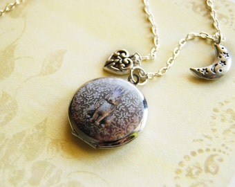 Love to the moon and back - a silver locket necklace