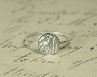 Language of Flowers - Snowdrop - Hope - Engraved Sterling Silver Locket