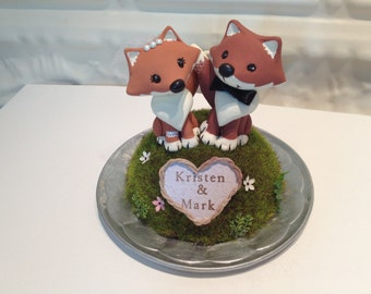 Woodland Foxes Wedding Cake Topper - Custom Cake Topper - Bride and Groom - Personalize Heart Wreath with Names or Initials - Work of Whimsy