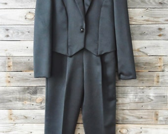 Vintage Women's Tuxedo Suit with Pants and Jacket by Ellen-D Kollection U.S.A.