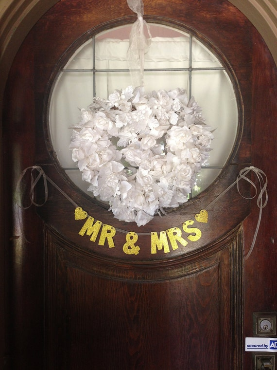 Mr. & Mrs. Banner  (small) -- Wedding Decoration / Photo Prop