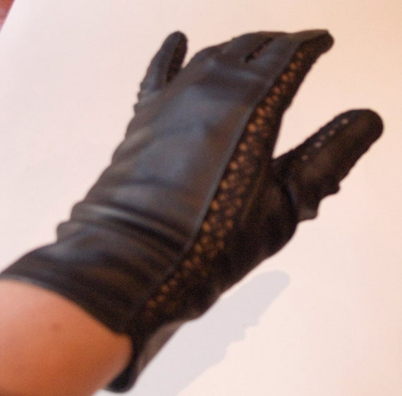 Vintage 1960s Black Vinyl Gloves with Lace Fourchettes