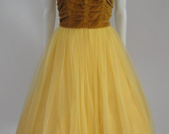 Vintage 1950s 50s Prom Party Dress with Ruched Bodice Full and Tulle Skirt Hollywood Starlet