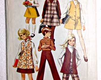 Girl's A-Line Jumper or Vest, Skirt and Pants Vintage Sewing Pattern Simplicity 8377 Size 6