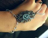 Victorian Inspired Slave Bracelet / Gray Rose Boho Ring Bracelet