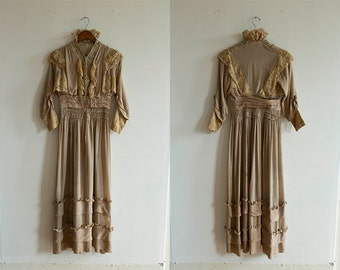 1910s Detailed Silk Crepe Dress
