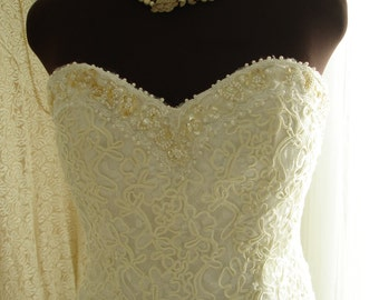 Beaded Lace Sweetheart Neckline Short Length Wedding/Bridal Dress