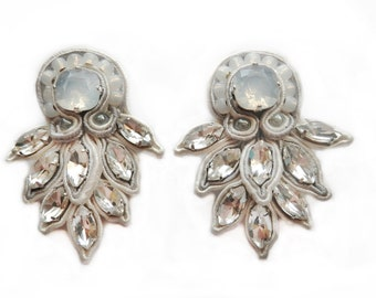FROST YOURSELF soutache earrings in cream and white opal