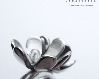 Ring with flowers in sterling silver - floral everyday bridesmaid gift for her jewelry