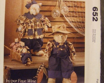 McCall's Crafts 652 Mr and Mrs Cat and The Kids Gone Fishin by Faye Wine UNCUT pattern