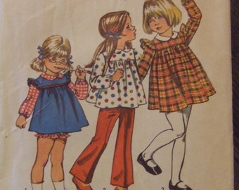 Simplicity 5819 Size 2 Child's Dress and Panties CUT pattern - All pieces present and counted