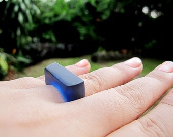 navy blue translucent geometric resin ring  - size 8