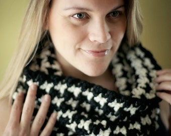 HOUNDSTOOTH Cowl Easy CROCHET PATTERN Chunky Scarf Cowl Crochet Pattern The Sydney