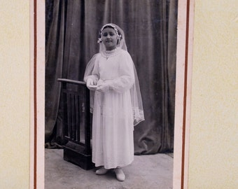Antique Picture Little Girl - First Communion photo - Black and White Photo - S9 - P42