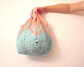 geometric crochet tote in pastel mint and pink - IlmondodiTabitha